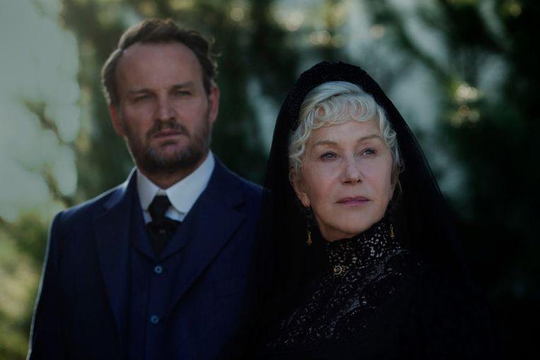 Helen Mirren met Jason Clarke in Winchester