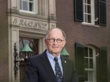 Burgemeester Fred de Graaf van Heerde haalt uit naar minister over vliegveld Lelystad