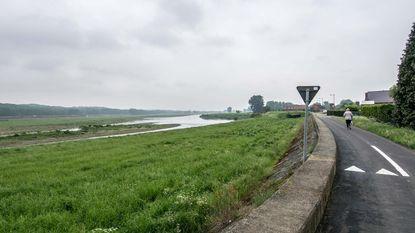"""Klimaatopwarming zal waterpeil Maas doen stijgen: """"Dijk moet verhoogd worden"""""""