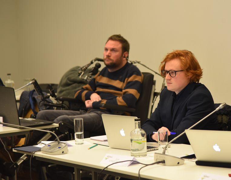 Jo Portois (links) en Timothy Rowies maakten maandagavond hun debuut in de Hoeilaartse gemeenteraad.