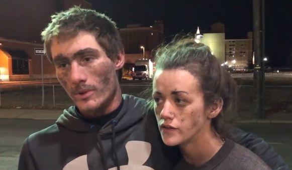 Cody Beverly (21) en Kayla Williams (25) stonden na hun redding verschillende cameraploegen te woord.