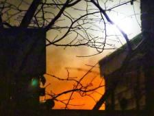 Veel rook bij brand in chalet op Enschedese camping