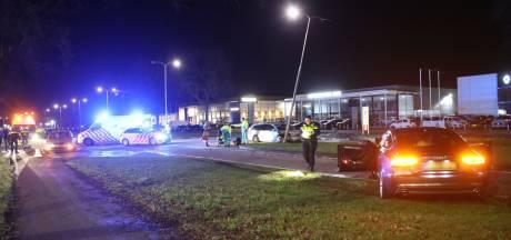 Twee personen gewond naar het ziekenhuis door ongeluk in Oss