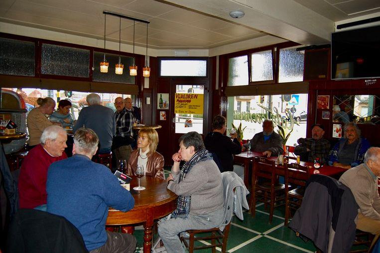 Het zit goed vol in Café Torenven op deze Verloren maandag.