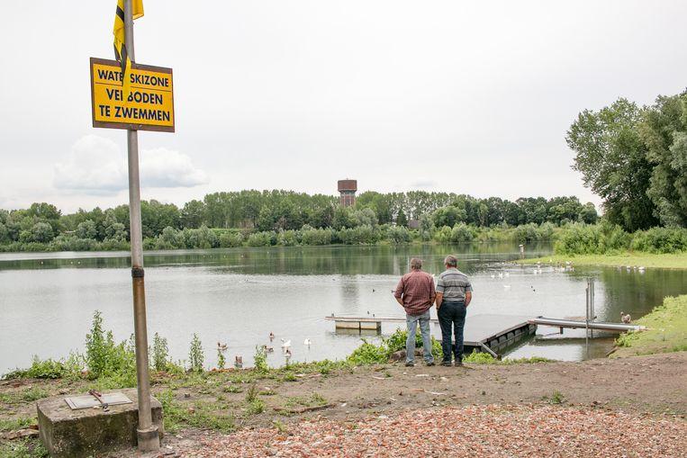 Alle waterrecreatie op het Waesmeer is verboden, nadat bij een staalname is gebleken dat de waterkwaliteit slecht is.