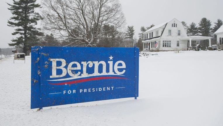 Een campagnebord voor Bernie Sanders. Beeld null