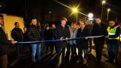 Gemeentebestuur opent nieuwe ontsluitingsweg achter Kerkhof- en Kapelstraat