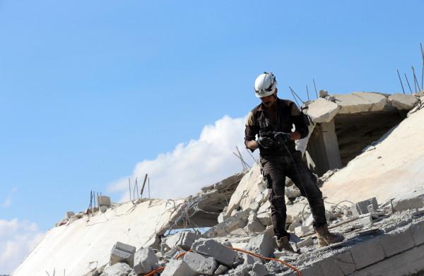 **Israëlisch leger evacueert 800 bedreigde hulpverleners van White Helmets uit Syrië**