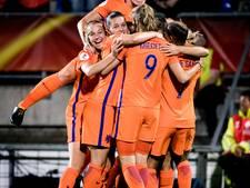 Oranje watertafel op de Heuvel tijdens EK-finale