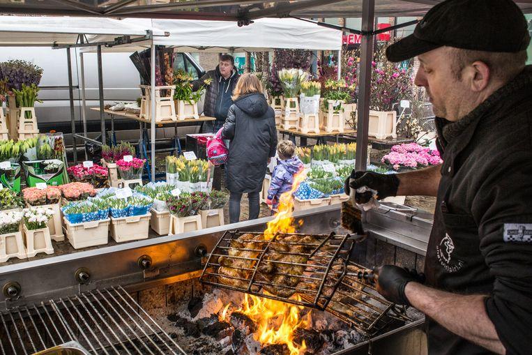 De wekelijkse markt Reuring op IJburg, hier in 2017. Beeld Floris Lok