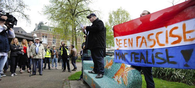 Pro-Wilders demonstranten in het centrum. Aanleiding voor het protest is de anti-Wilders demonstratie van een week ervoor, waarbij burgemeester Hubert Bruls aangifte deed tegen de PVV-leider naar aanleiding van zijn uitspraken over Marokkanen Beeld anp