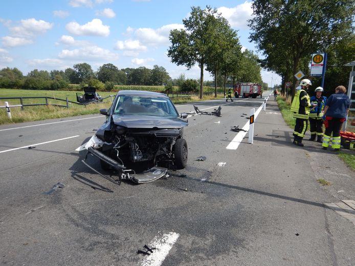 De situatie op de L608/Wüllener Strasse in Vreden, na het ongeval.