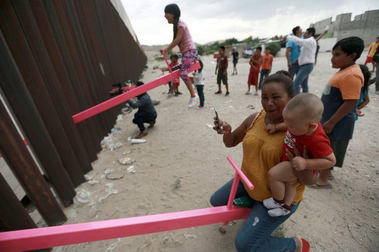 Drie wipplanken in Ciudad de Juarez, Mexico. (AP Photo/Christian Chavez)