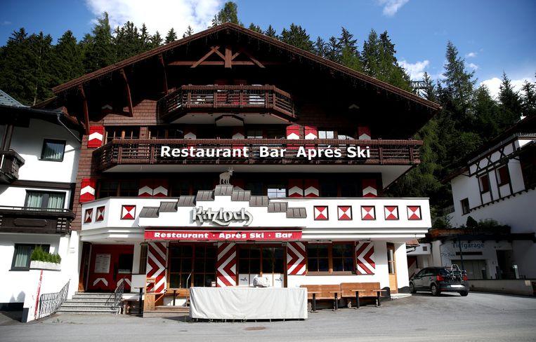 Après-skibar Kitzloch in het Oostenrijkse Ischgl. Wintersporters brachten het virus vanuit Ischgl naar alle hoeken van Europa. Beeld REUTERS