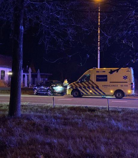 Twee personen gewond na aanrijding op kruising in Haarle