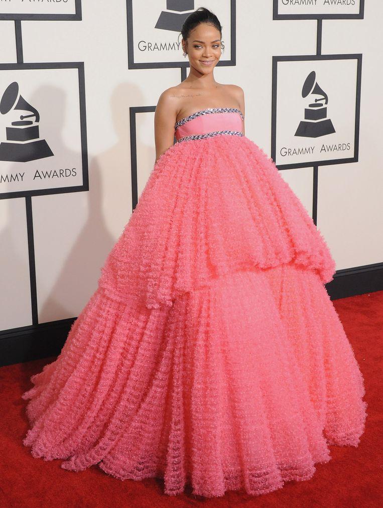Rihanna met haar 'bijna Disney' haute-couturejurk van Giambattista Valli. Beeld FilmMagic