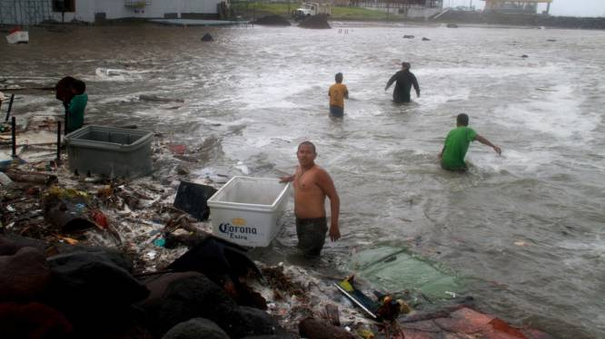 Zeven doden bij orkaan Ernesto in Mexico