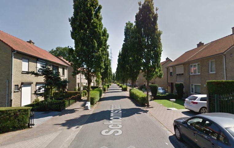 De huiszoeking vond plaats in de Schomstraat.
