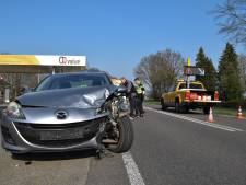 Auto's total loss bij botsing in Wehl