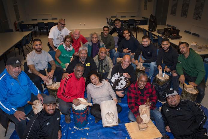 Tiel 25/10/2019 Buah Hati Molukkers maken Tifa's en opbrengst gaat naar slachtoffers aardbeving Molukken iov Gelderlander foto Raphael Drent