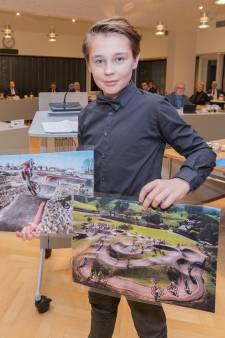 Boaz (10) wil speelplek voor oudere kinderen in Krabbendijke en stapt naar de gemeente: 'Hartstikke stoer van je!'