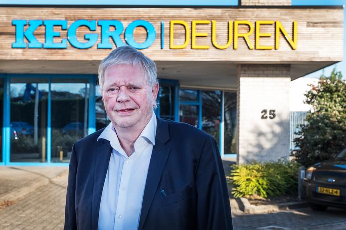 Jan Kersten van Kegro Deuren is deze week door de branche uitgeroepen tot  Beste Houtsenior van het jaar.  Kersten wordt geroemd om zijn deskundigheid en ondernemersgeest.