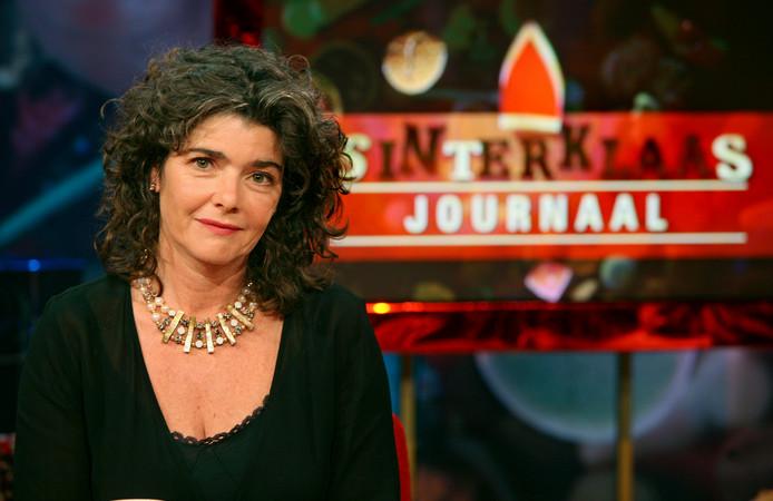 Presentatrice Dieuwertje Blok in het Sinterklaasjournaal van de NPS.