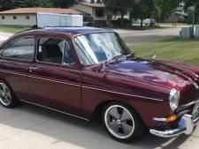 Man vindt na 36 jaar auto van zijn vader terug en restaureert 'm compleet