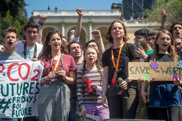 Volgens de organisatie betoogden 25.000 jongeren met de Zweedse klimaatactiviste Greta Thunberg. Ook Anuna De Wever was erbij.