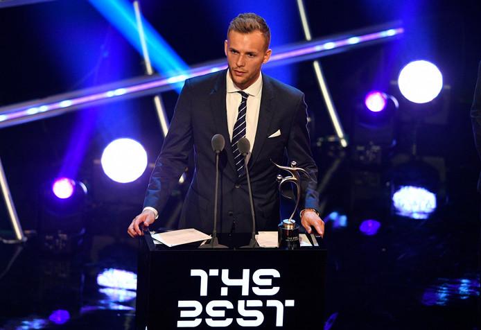In september ontving Thy op het FIFA-gala de Fair Play-award voor zijn stamceldonatie aan een leukemiepatiënt.
