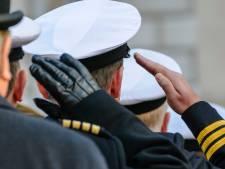 Biseksuele veteraan krijgt na 25 jaar militaire onderscheiding terug