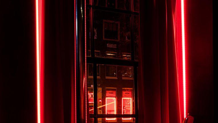 Elke kamer wordt voor tachtig euro verhuurd en 's avonds en 's nachts voor 160 euro. Beeld Ernst Coppejans