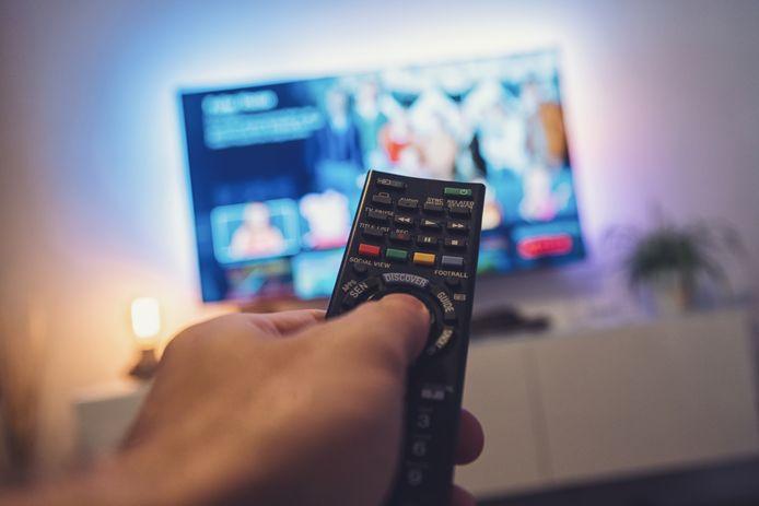 De 400 inwoners van een dorp in Wales hadden achttien maanden internetproblemen vanwege een tweedehands televisie.
