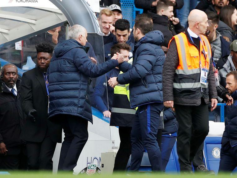 Mourinho met de handshake voor Lampard.