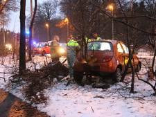 Bestuurder licht gewond na ongeval