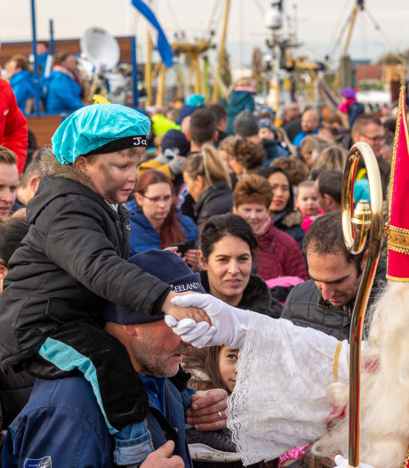 Rijendik op de kade in Yerseke voor Sinterklaas