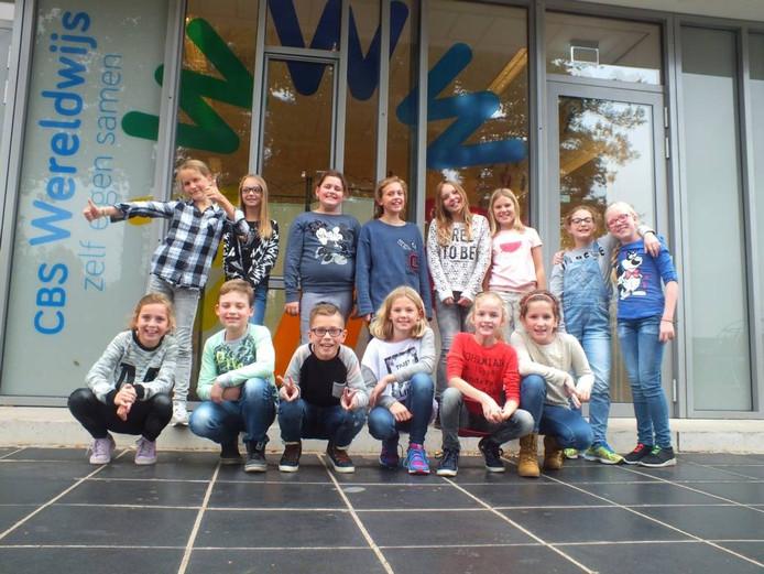 De kinderen van groep 7 van Wereldwijs.