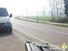 Man rijdt bellend met zijn auto door Chaam met 4500 euro aan openstaande boetes