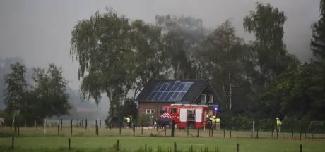 Bliksem zet schuur in brand in Vortum-Mullem
