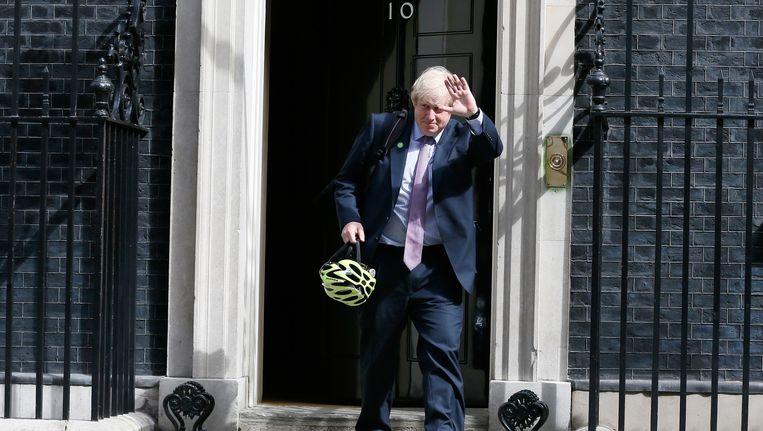 Boris Johnson op bezoek bij David Cameron nadat hij in 2015 herverkozen werd. Johnson heeft aangekondigd niet mee te dingen in de race naar het premierschap. Beeld reuters