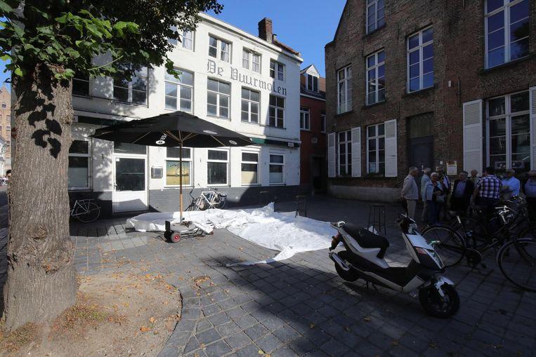 Café De Vuurmolen, dat al 2 jaar leegstaat, was een vaste stek voor veel Bruggelingen.