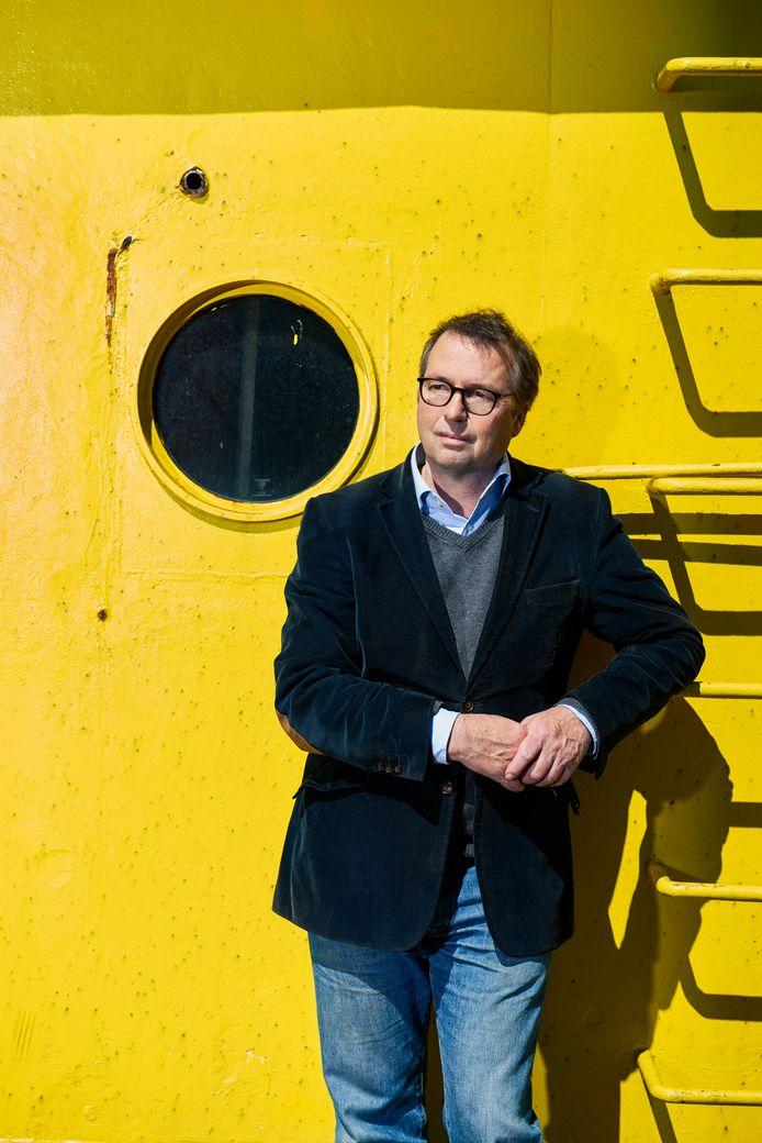 Hans Steketee, journalist NRC Handelsblad, scheef het boek ' De Warnow'