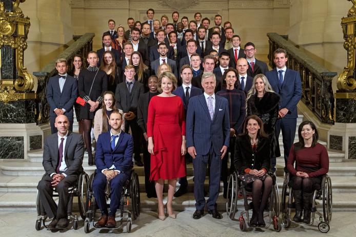 Accueil des athlètes ayant remporté une médaille à un championnat d'Europe ou du monde ou ayant gagné une compétition exceptionnelle dans un sport olympique ou paralympique par le Roi et la Reine