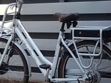 Apeldoornse moeder woedend over brutale diefstal elektrische fiets van  zieke Naomi