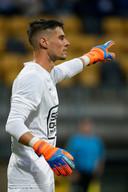 Joshua Smits coacht in zijn eerste competitiewedstrijd in bijna twee jaar, uit tegen Roda JC dit seizoen.