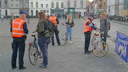 """""""We zien u graag"""", zegt politie tegen fietsers bij controle op Valentijnsdag"""
