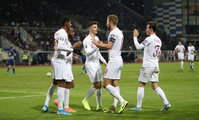 Engeland wint in Pristina.
