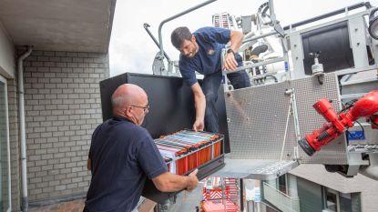 FOTOREEKS. Na 129 jaar verlaat brandweer het centrum van Lennik: verhuis werd maandag met 15 personen gestart