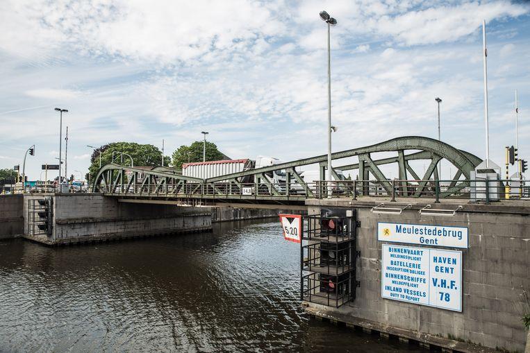 De werken aan Meulestedebrug vorderden veel sneller dan verwacht