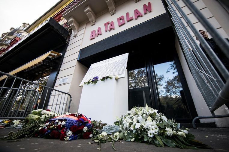 Bij aanvallen aan onder meer het Stade de France en in concertzaal Bataclan vielen 130 doden.